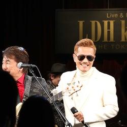 EXILE ATSUSHI、羽田空港でライブ サプライズ参加で未発表のクリスマスソングも初披露