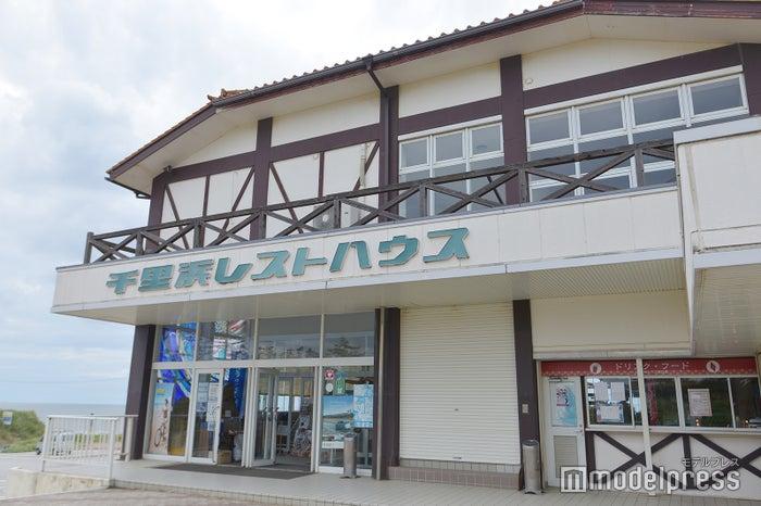 千里浜なぎさドライブウェイ/レンタル自転車のサービス&お土産売り場も展開(C)モデルプレス