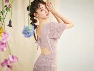 宮本茉由、美背中際立つ春コーデ 華麗な着こなし披露