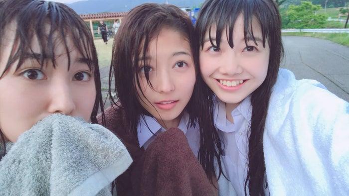 MOMOKA撮影(2017年6月/新潟のMV撮影現場にて)/(左から)ami、Nono、MOMOKA