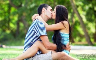 男性が幸せを感じる彼女の甘え方5つ|男心をくすぐって愛され女子に