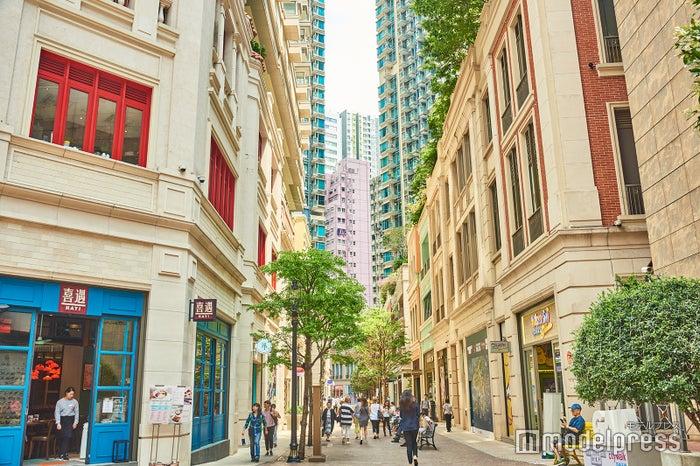 近年、モダンなショッピングストリートに生まれ変わった利東街 (C)モデルプレス