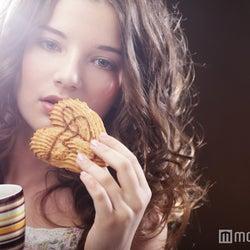 チョコやスナック菓子じゃないんです!美人なあの子のおやつとは?