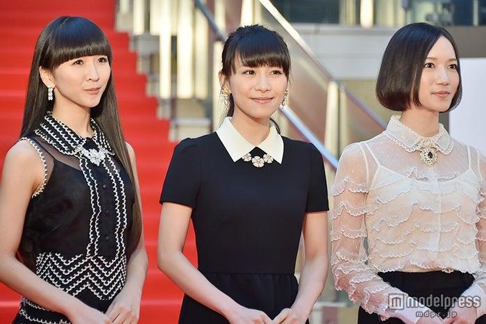 「第28回東京国際映画祭」レッドカーペットに登場したPerfume【モデルプレス】