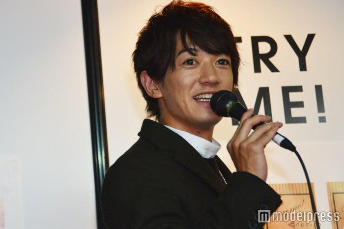 「TRY ME!サプリ」のブースでトークショーを行った大倉士門 (C)モデルプレス
