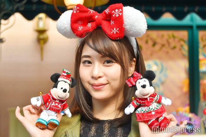 ぬいぐるみバッジ各¥1,800/モデル:山本成美(C)モデルプレス(C)Disney