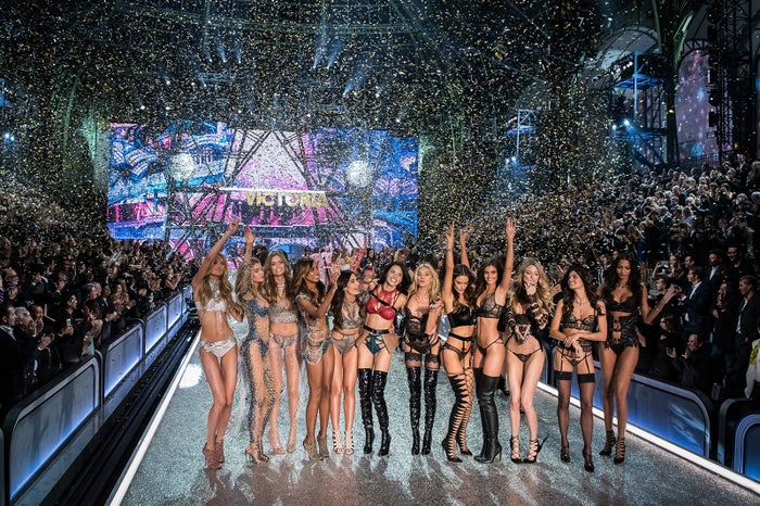 「Victoria's Secret Fashion Show2016」の様子/photo:GettyImages