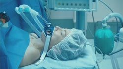 大門未知子が倒れる!米倉涼子、スレンダーボディの秘密&初の患者役の心境<ドクターX>