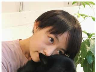 元乃木坂46伊藤万理華、ショートヘア姿が「イケメン」「少年」と話題に