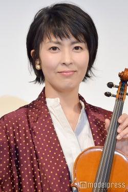 松たか子/楽器提供:日本ヴァイオリン(C)モデルプレス