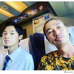 モデルプレス - 窪塚洋介、息子・愛流との2ショット公開 「似てきた」「かっこよすぎる親子」の声