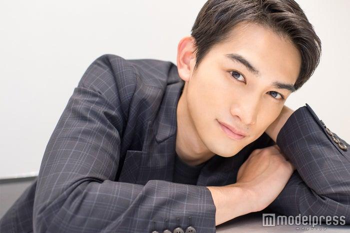 モデルプレスのインタビューに応じた町田啓太(C)モデルプレス