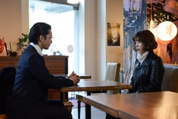 中村倫也、仲里依紗/「ホリデイラブ」第3話より(C)テレビ朝日