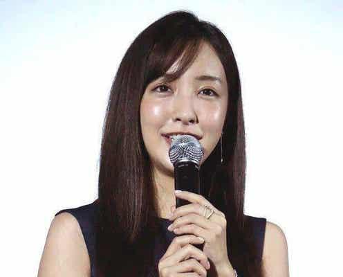 板野友美、たんぽぽ・川村エミコとの友好関係に驚きの声「暖かい気持ちになりました!」「素敵な関係性」