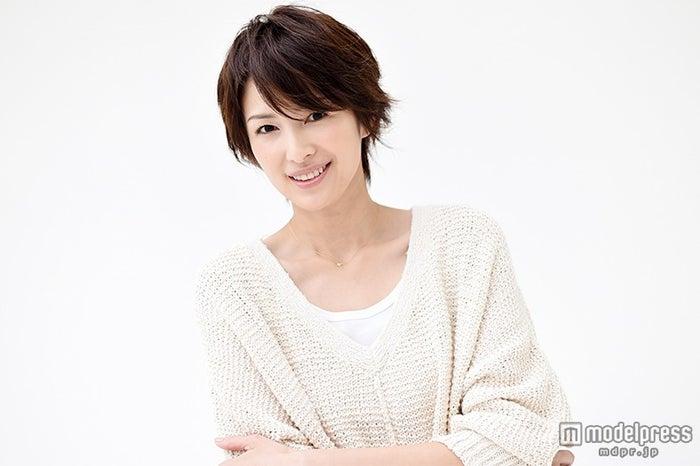 ゆったりニットの吉瀬美智子