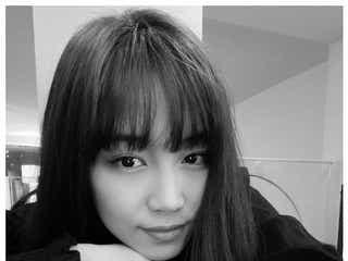 E-girls鷲尾伶菜、セルフカットで前髪復活「メンバーからすすめられて」 ファンから歓喜の声