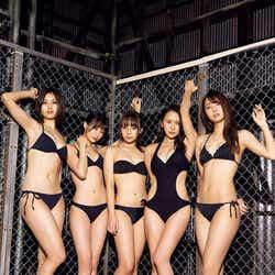 (左から時計回りに)林ゆめ、乙顔聖加、鈴木ユリア、福江菜々華、山口はのん(C)中山雅文 /ヤングマガジン