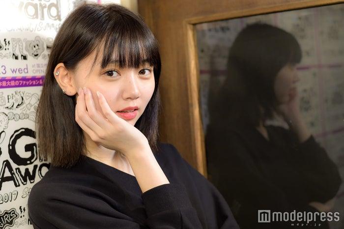 """江野沢愛美の""""ガチ私服""""を真似したい!ミニスカコーデのポイントは… 江野沢愛美(C)モデルプレス"""