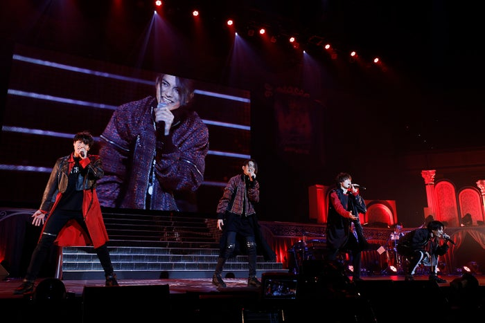 15th Anniversary SUPER HANDSOME LIVE「JUMP↑ with YOU」より/写真提供:アミューズ