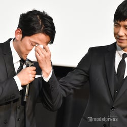 岡田准一、男泣き「おかしいと言われるかもしれないですが…」監督への思いを打ち明ける<散り椿>