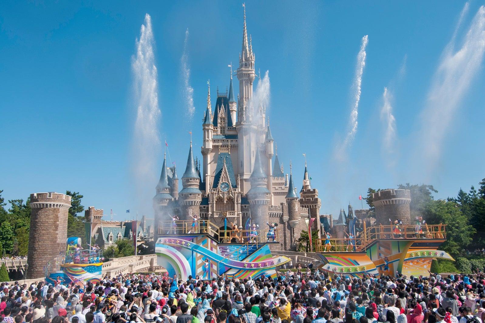 今年の夏ディズニーもアツい 夏祭り&パイレーツ…夜の新