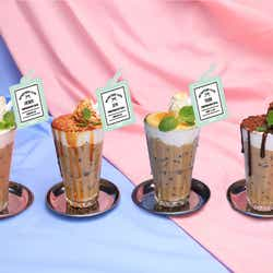 コーヒー系 ICE×ホイップ各920円(HOSHI・はちみつシュケラート/JUN・キャラメルラテ/THE8・オレンジピールラテ/DINO・チョコラテ)/画像提供:レッグス