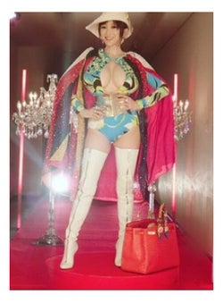 「ダウンタウンDX」で私服を公開した叶美香/叶姉妹オフィシャルブログ(Ameba)より