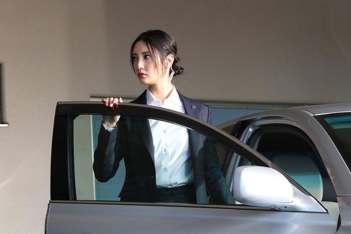 菜々緒/「BG~身辺警護人~」第1話より(C)テレビ朝日
