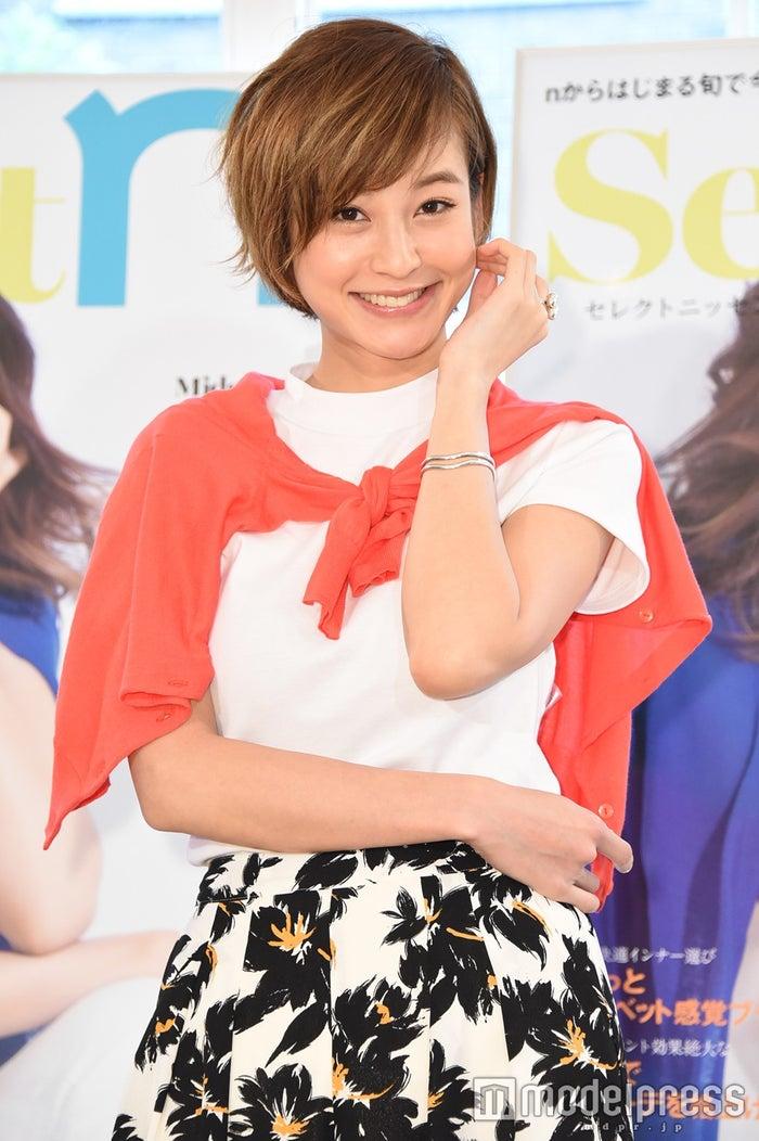 西山茉希、産後1ヶ月のスレンダー美ボディを披露 「体重は怖くて計ってない」西山茉希(C)モデルプレス