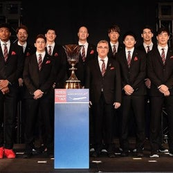 ワールド バスケ日本代表へオフィシャルスーツを提供