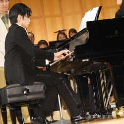 モデルプレス - Sexy Zone中島健人、フルオーケストラバックにピアノ生演奏 東山紀之が感嘆「すげえな健人!」<砂の器>
