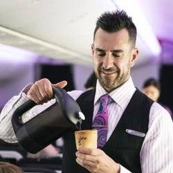 NZ航空、食べられるカップ採用 コーヒーを試験提供、廃棄物削減