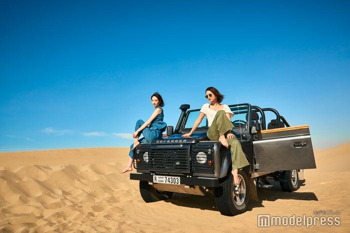 ワイルドな雰囲気で絶好のフォトチャンス ※バブ・アル・シャムス・リゾート&スパにて。<br> 写真はイメージ(通常はオープン4WDではありません)(C)モデルプレス