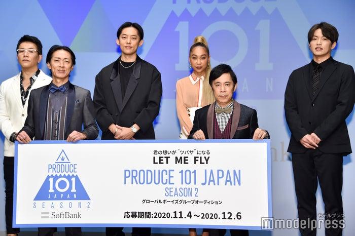 (左から)菅井秀憲、矢部浩之、KEN THE 390、青山テルマ、岡村隆史、KENZO(C)モデルプレス