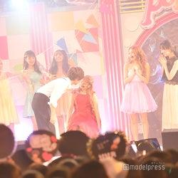 """なちょす&那須泰斗""""なちょころりん""""カップル、ステージでキス<Popteen#真夏のティーンズフェス2019>"""