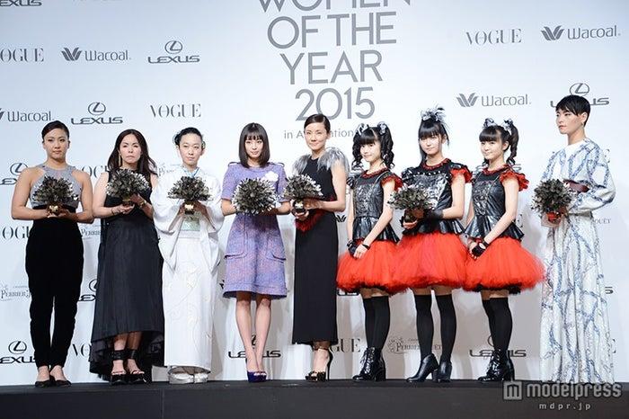 (左より)渡部香生子、阿部千登勢、西加奈子、広瀬すず、吉田羊、BABYMETAL、菅原小春