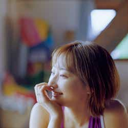 モデルプレス - 武田玲奈、ほっそり二の腕際立つ ナチュラルな表情で魅せる