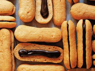 大人気スイーツ店の秘密のレシピ!チョコサンドクッキーの作り方