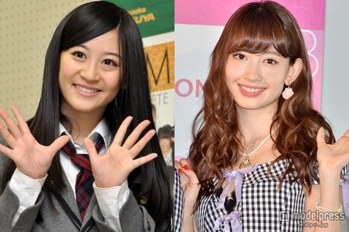 AKB48グループの「うっとり美乳」で1位に輝いた上西恵と、2位の小嶋陽菜(左から)