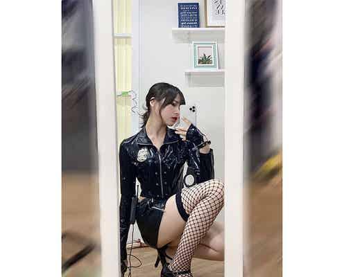 #ババババンビ 宇咲、黒網タイツがセクシーな自撮りショットで悩殺