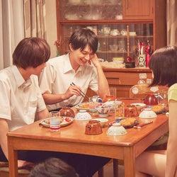 北村匠海・小松菜奈・吉沢亮、本当の家族のような姿 映画「さくら」メイキングカット解禁