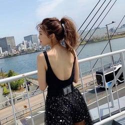 AAA宇野実彩子、赤リップの大胆な美背中ショット公開にファン歓喜「美しい」「惚れる…」