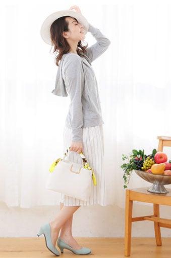 サテン素材スカーフ「神戸レタス」890円(税込)/画像提供:神戸レタス