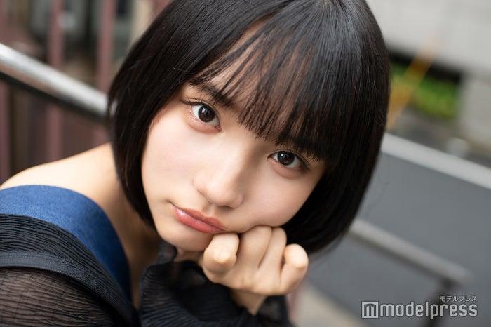 モデルプレスのインタビューに応じた矢作萌夏 (C)モデルプレス