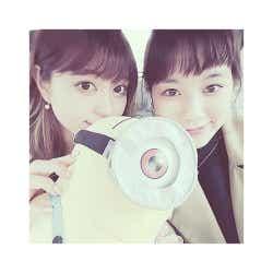 モデルプレス - 筧美和子、大川藍の実家にお泊まり 「JJ」モデルの仲良しショットに反響