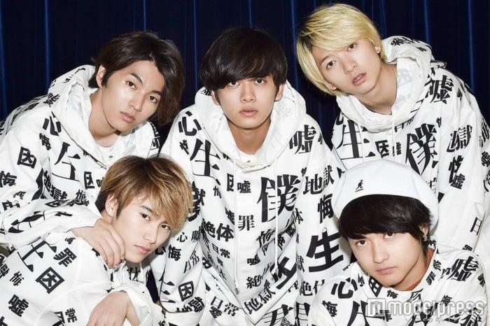 DISH//(左上から時計周りに)矢部昌暉、北村匠海、小林龍二、橘柊生、泉大智 (C)モデルプレス