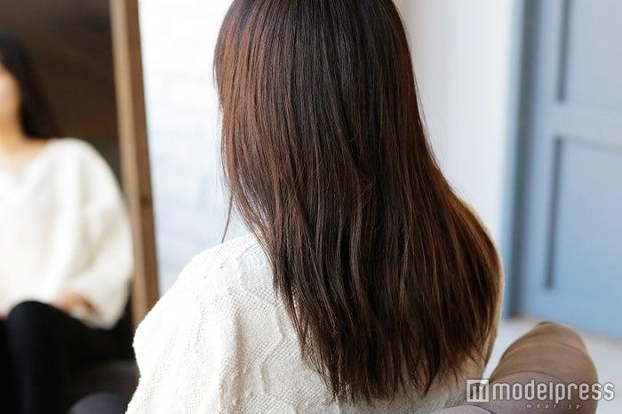 髪のダメージが花粉を付着しやすくする(C)モデルプレス