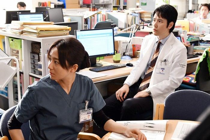 木村文乃、松山ケンイチ「A LIFE~愛しき人~」第3話より(C)TBS
