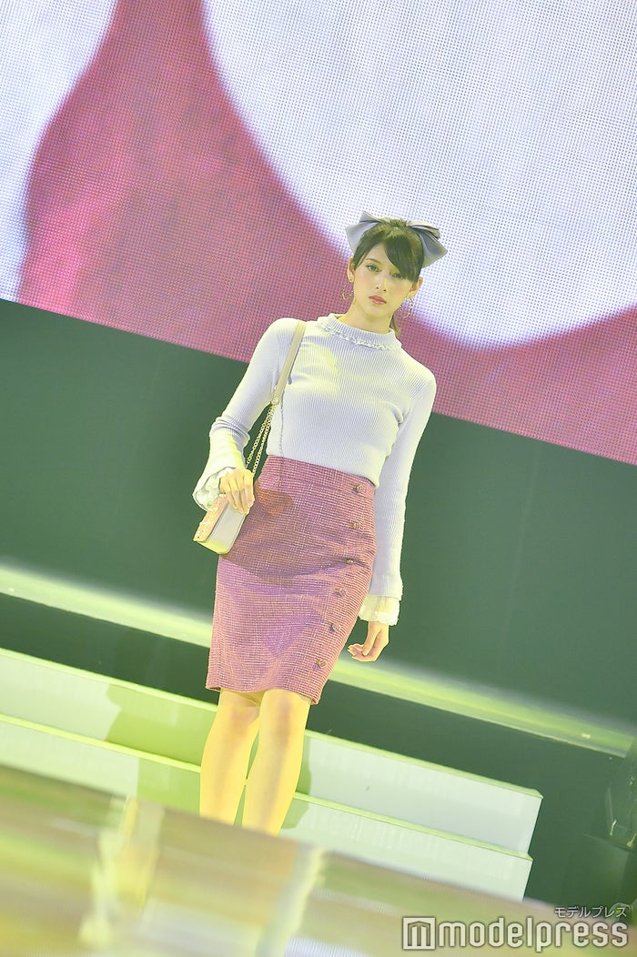アンジェラ芽衣(C)モデルプレス