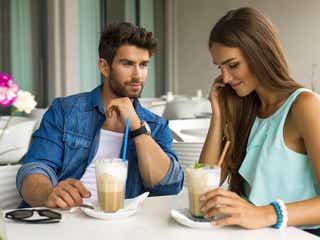 男性が女友達を意識した瞬間 こんな顔するんだ…